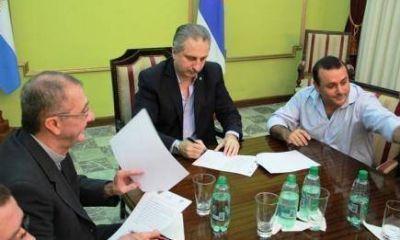 Gobierno y Di�cesis de Posadas firmaron convenio para contenci�n de adictos a las drogas