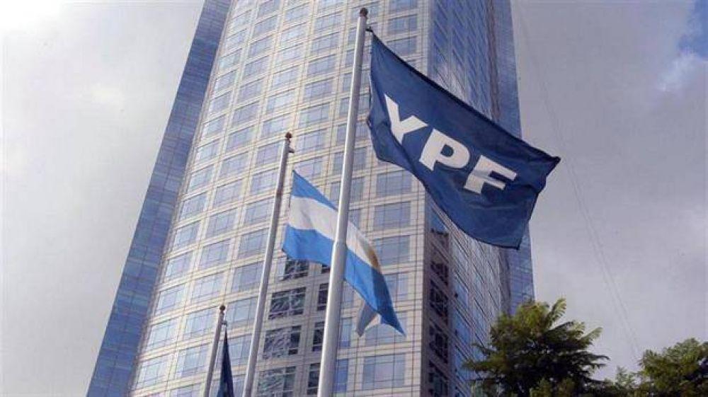 Se conocerá en mayo el sucesor de Galuccio en YPF, que ganará menos
