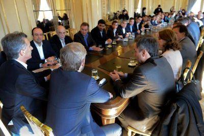 Galli participó de la reunión de Macri con los intendentes