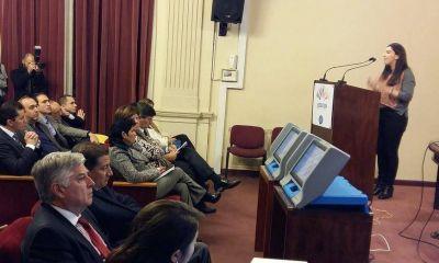 Representantes de Ciudad de Buenos Aires y Salta con legisladores cordobeses por voto electrónico y Boleta Única Electrónica