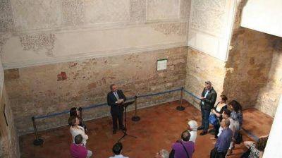 Los asistentes al IV Encuentro Internacional de Joyería visitan la Sinagoga