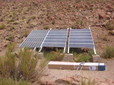 Proveen agua con una bomba a energía solar