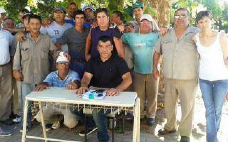 Navarro: Los municipales acordaron un aumento del 31%