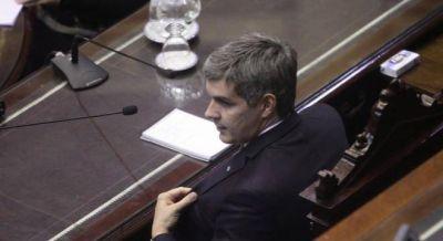 Larroque hizo tropezar a Marcos Peña en un cruce por las jubilaciones