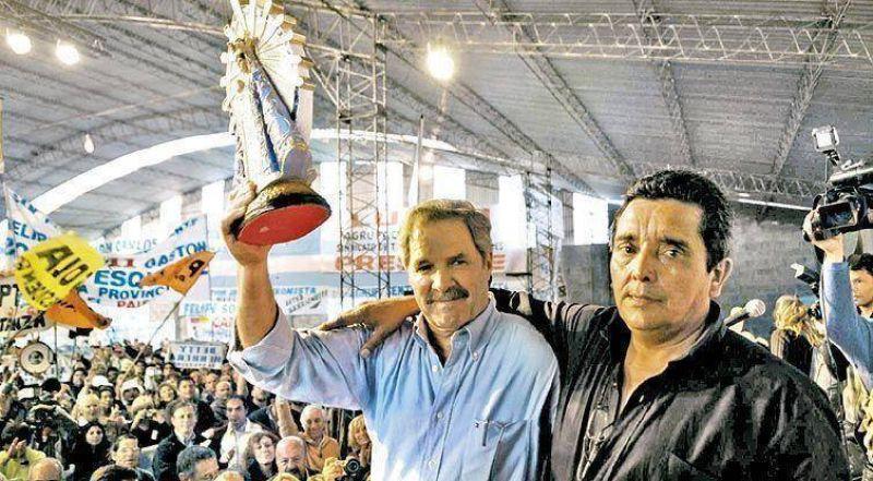Solá armó un acto en Luján y se instaló en el escenario nacional