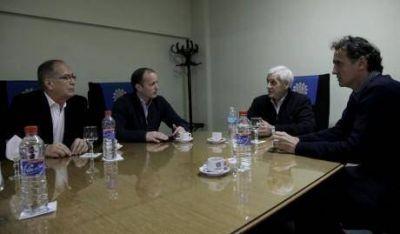 Los intendentes de Monte Hermoso y Bol�var apoyan el encuentro impulsado por centrales obreras