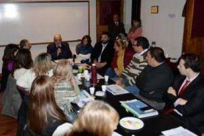Arroyo encabezó la reunión de la Mesa Solidaria en FASTA