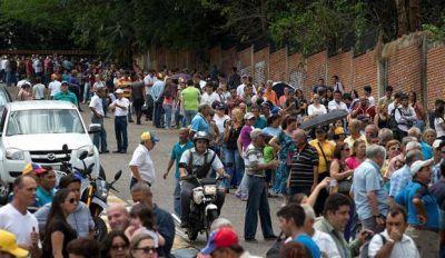 Un aluvi�n exigi� el refer�ndum revocatorio para sacar a Maduro