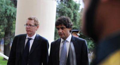 Vidal negocia con Frigerio y Prat Gay cambios en el Fondo del Conurbano