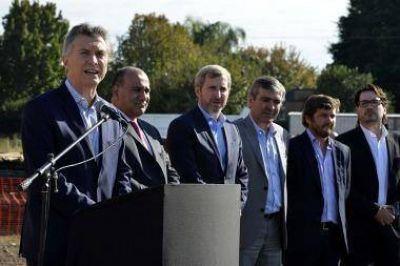 En Tucumán, Macri dijo que las centrales obreras