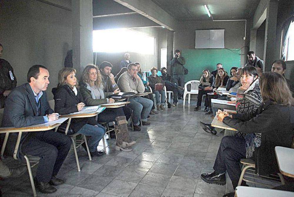 """Concejales exigen a Crovetto que """"dé explicaciones o se vaya"""""""