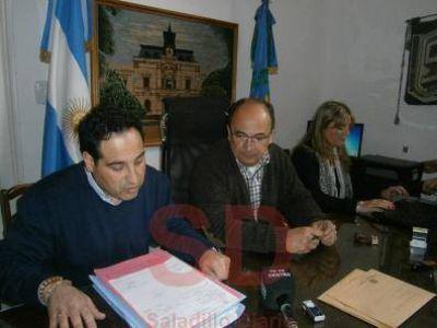 SE LICITO PARA LA COMPRA DE PRENDAS DESTINADAS A TRABAJADORES MUNICIPALES
