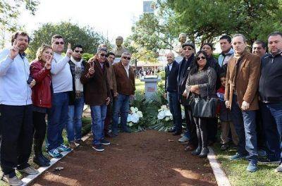Nicolás Ducoté celebró el Día del Trabajador en la plaza 12 de octubre