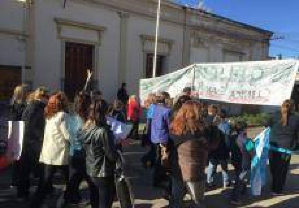 Distintos sindicatos acompañaron el reclamo de los trabajadores de la Clínica San Martín