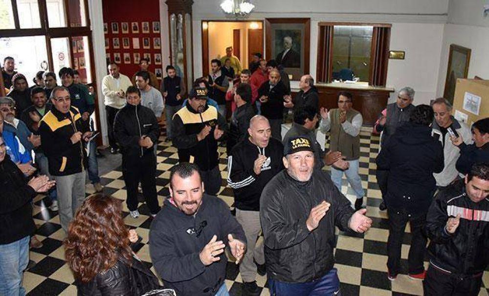 Paro y protesta de los taxistas santarroseños