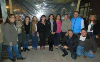 Malena Galmarini entregó una donación en Carmen de Areco