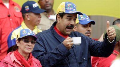La oposici�n pone en marcha el revocatorio a Maduro