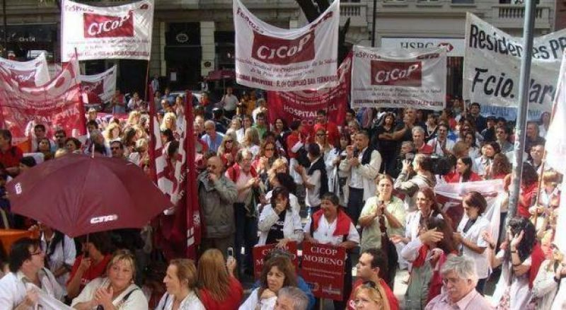 Médicos bonaerenses inician nuevo paro de 72 horas e instalan carpa frente al Congreso