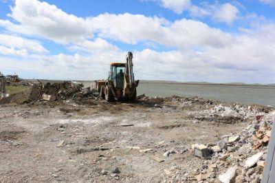 Contin�an los trabajos por el saneamiento del r�o Grande