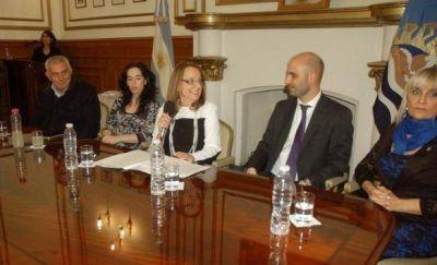 Alicia Kirchner anunció cancelación de Proyecto de Tasa Vial