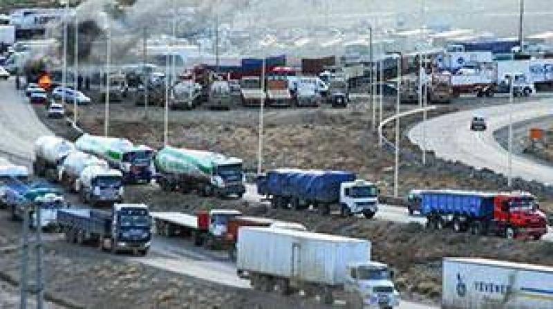 Camioneros paralizar� la distribuci�n de combustibles y alimentos