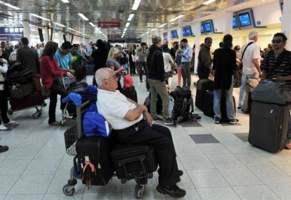 El Ministerio de Trabajo dictó la conciliación obligatoria y hoy habrá vuelos