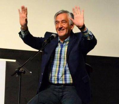 Rodríguez Saá anunció gran aumento salarial para pasantes