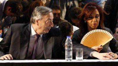 Involucran a los Kirchner en la compra de trenes