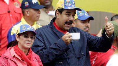 Maduro amenaza con suspender el revocatorio a su mandato
