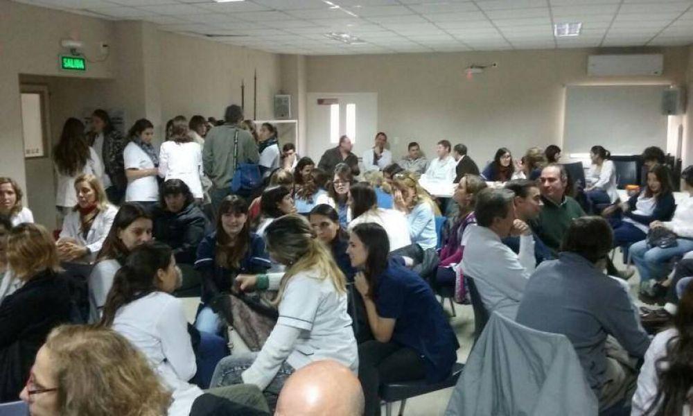 Los profesionales de la salud retomaron la huelga y se movilizarán al Municipio