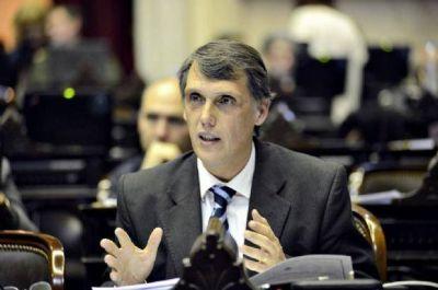 Kosiner señaló que busca evitar el desfinanciamiento de las provincias
