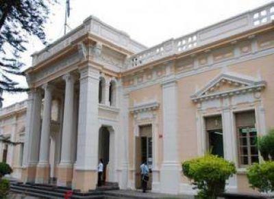 Ante el retaceo de los fondos nacionales, la UNT debió postergar pagos a la AFIP, admitió Bardón