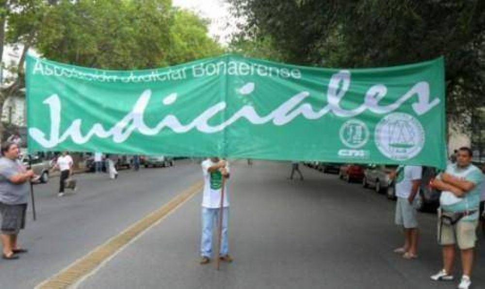 Se inició ayer y se prolonga hasta el jueves, inclusive, el paro de los judiciales de Buenos Aires