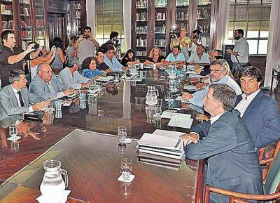La Provincia reabre la paritaria con los gremios estatales
