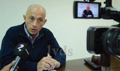 Cotillo formalizó entrega de equipamiento a hospital de Truncado y habló de obras de gas para Caleta