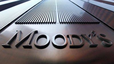 Moody's pronostica aumento de desempleo e inflación arriba de 30% para 2016