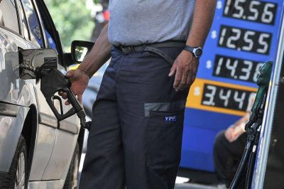 Estacioneros advierten sobre la caída de las ventas luego del aumento en los combustibles