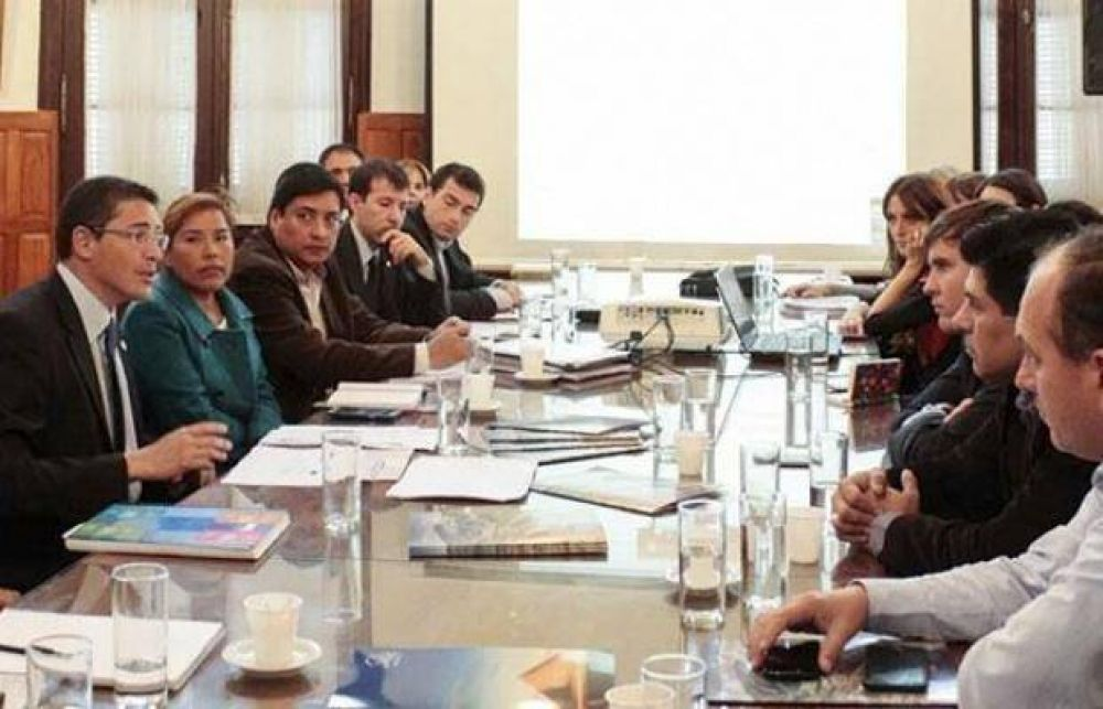 Diputados se informaron sobre políticas turísticas de Salta