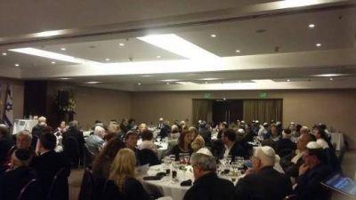 Con fuertes críticas al Rabino Sergio Bergman se realizó el Tercer Seder de Pesaj de Avodá