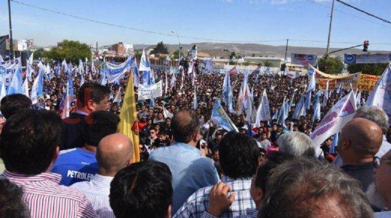 Petroleros paran este viernes por 12 horas en Comodoro Rivadavia