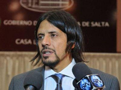 Una moto con 2 efectivos policiales chocó de frente con el Jefe de Gabinete, Carlos Parodi