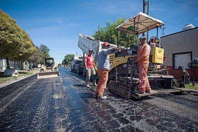 El municipio ya prepara licitaciones de obras de asfalto y centros de salud