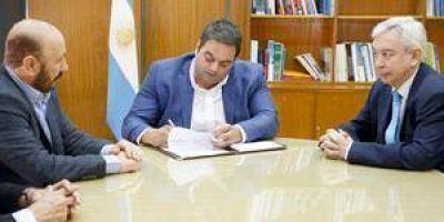 Acuerdo entre Triaca, Insfrán y la SRT para fortalecer la prevención