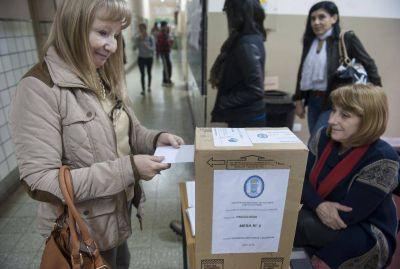 El 77% de los docentes eligi� sus representantes