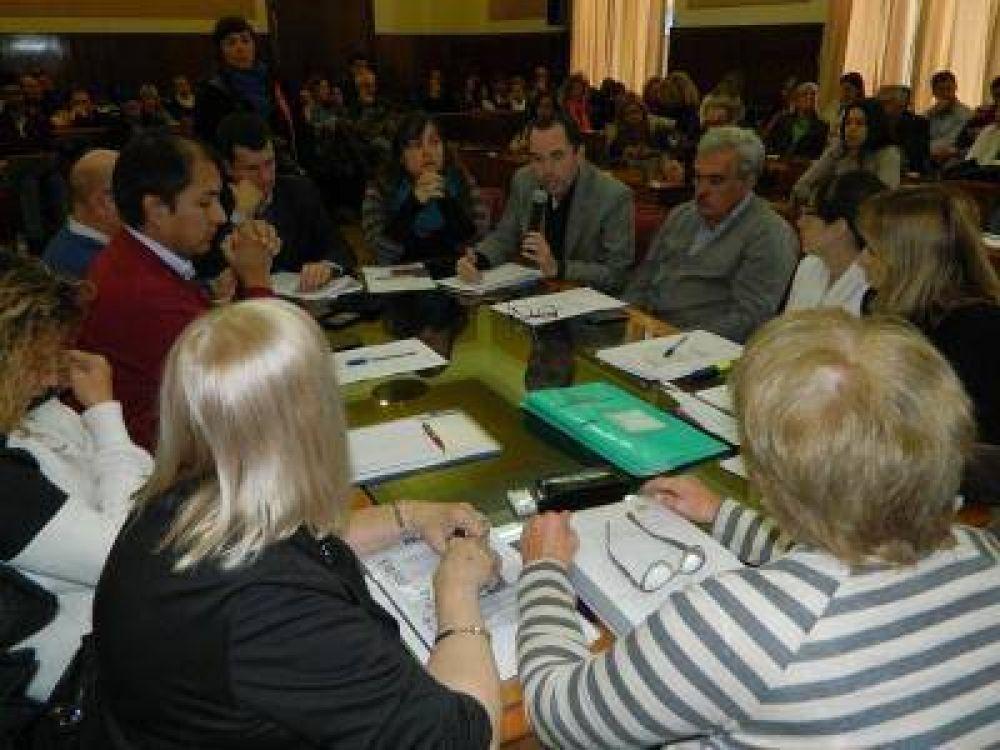 EL FRENTE RENOVADOR PIDIÓ LA RENUNCIA DE LA SECRETARIA DE EDUCACIÓN