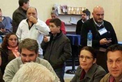 Dirigentes de Necochea en el Congreso del Partido Fe