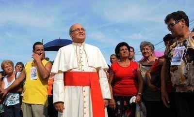 Anfitri�n de tres Papas