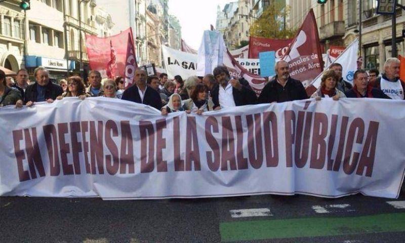 Los médicos profundizan la protesta y marcharán a la Gobernación