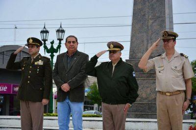 El Intendente Jofré participó de la Semana del Himno Nacional en el Mástil Municipal