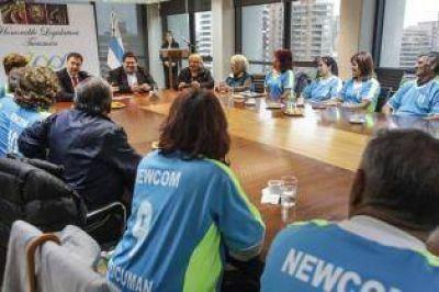 Un radical entreg� ayudas sociales en la C�mara, pero cuestion� el sistema